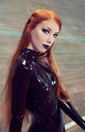 amateur photo Latex Redhead