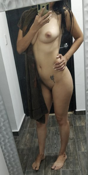 amateur photo Original ContentFresh from shower 😘