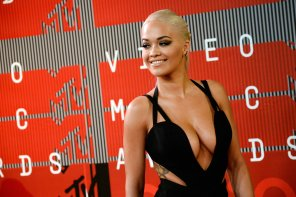 amateur photo Rita Ora at the VMAs