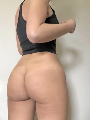 amateur photo Show me something natural like ass with stretch marks