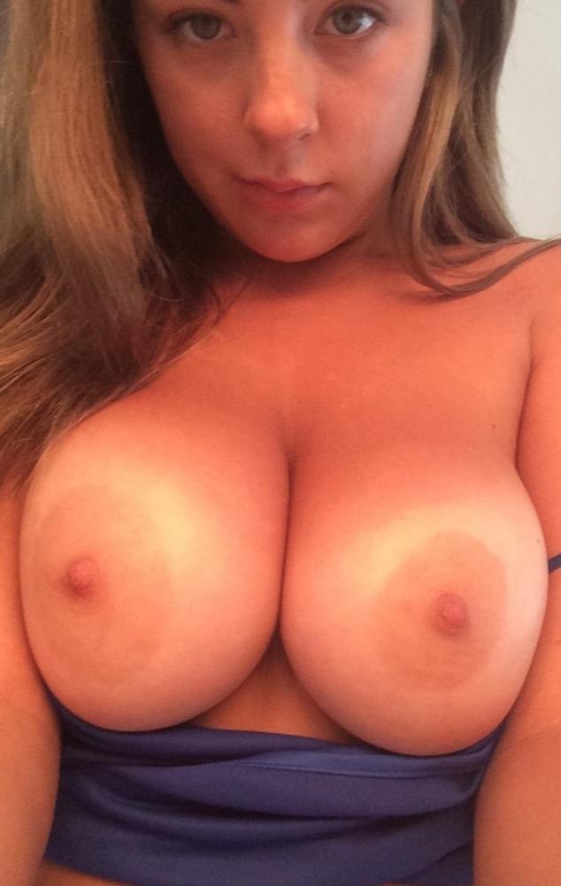 Amateur Beautifuls Tits Hottystop 1