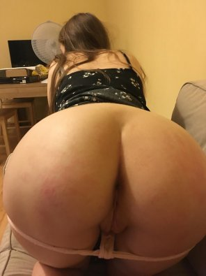amateur photo My ass is a little red...I was a bad girl ;) [f]
