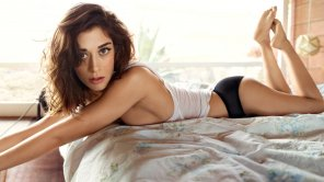 amateur photo Lizzy Caplan