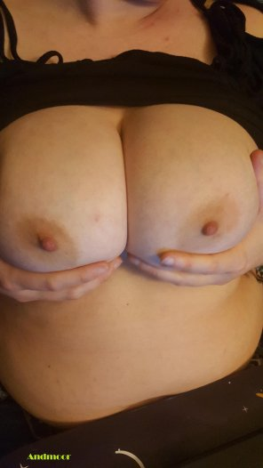 amateur photo Missed you. Now come here and suck on my tits!