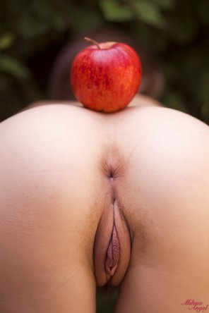 amateur photo An apple a day keeps the doctor away
