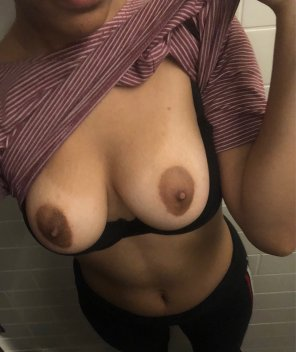 amateur photo small details...many don't notice it... but i have a beauty mark just above my chest [f]