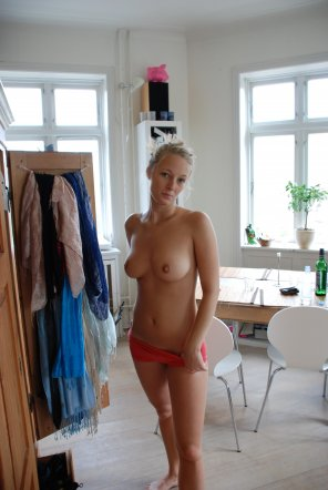 amateur photo Showing off her place