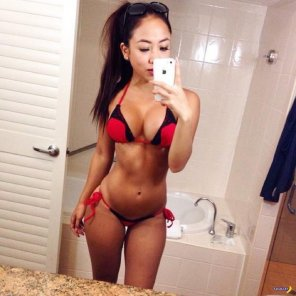 amateur photo red and black bikini