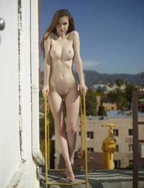 amateur photo Rooftop Modeling