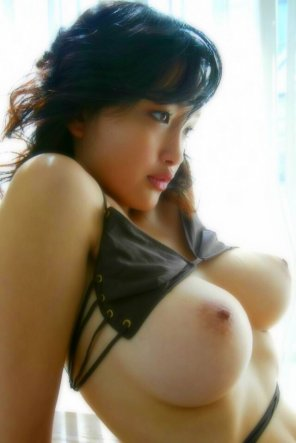 amateur photo nice Asian boobs