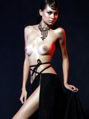 amateur photo Liliana Redon, Untamed Opulence for Factice Magazine