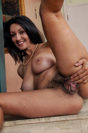 amateur photo persia hairy
