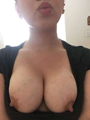 amateur photo Original ContentDoes this count for titty Tuesday? [22F]