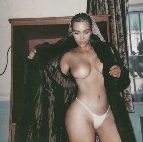 amateur photo Kim K nude
