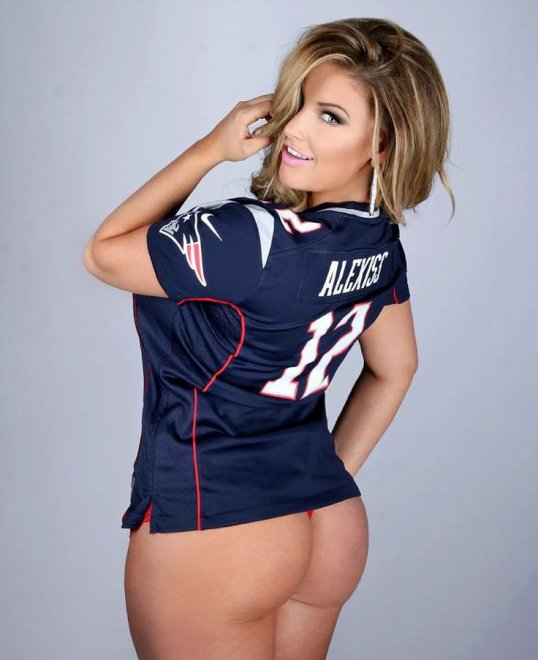 Love the ass, hate the jersey Porn Photo