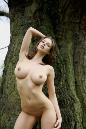 amateur photo Stunning busty petite posing outdoors