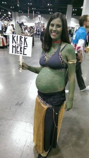 amateur photo Orion slave girl smiles