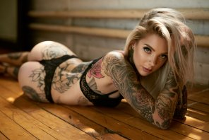 amateur photo Sexy Blonde Tattooed Goddess