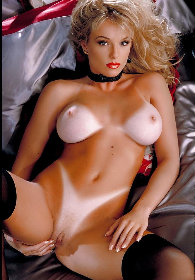 Erotic rubbing nipples videos