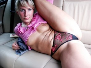 amateur photo Backseat milf