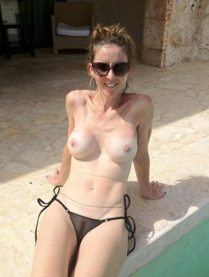 amateur photo Amateur with fake tits, by the pool