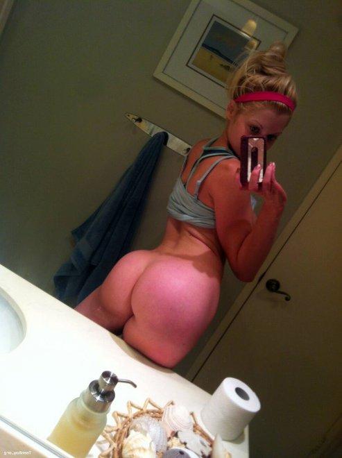 Bathroom pic Porn Photo