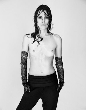 amateur photo Keira Knightly all wet