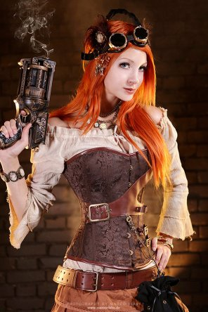 amateur photo Steampunk Red