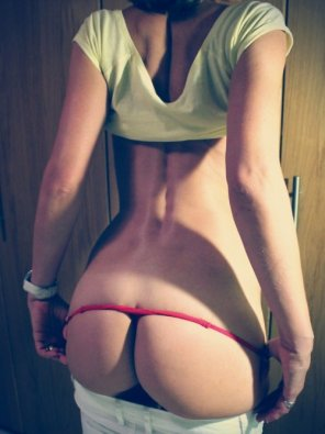 amateur photo nice red thong pull down