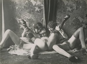 amateur photo Parisian sex workers. Early 1900s