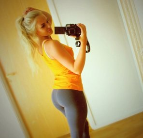 amateur photo Sexy mirror selfie
