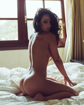 amateur photo Brunette in bed