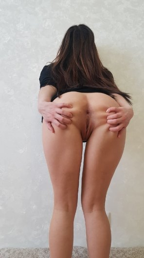 amateur photo I'll spread my cheeks while you make me moan