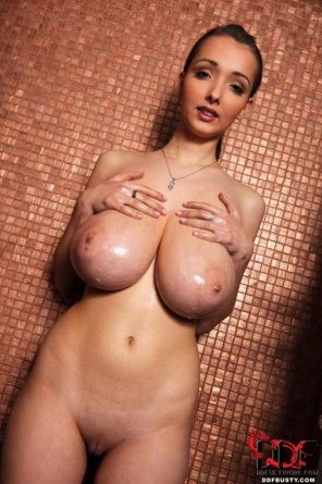 amateur photo Lean body, pretty face, huge rack