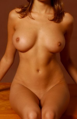 amateur photo Beautiful Golden Curves