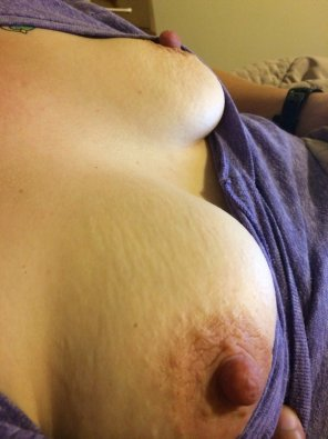 amateur photo Love her nipples