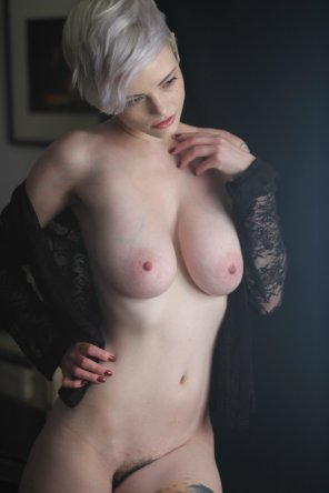 amateur photo Pale Natural Beauty