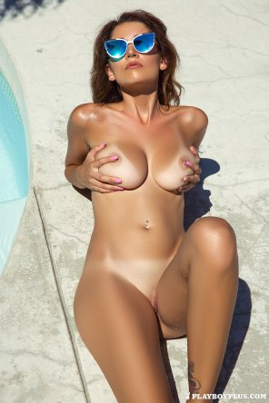 amateur photo Ali Rose poolside