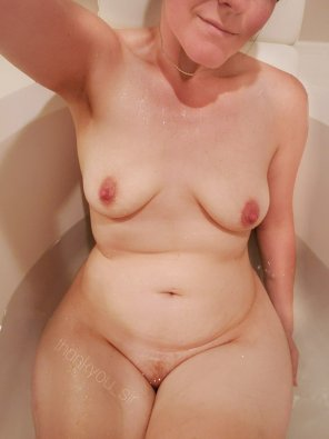 amateur photo My tub is big enough for 2. Can you handle the heat? 😘