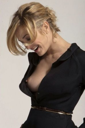 amateur photo Blouse Nip Slip