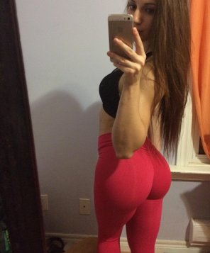 amateur photo Red yoga pants