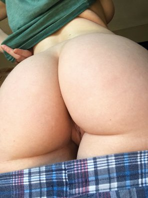 amateur photo Happy tight ass Tuesday [F]