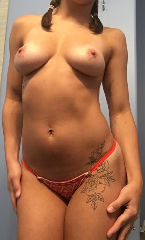 amateur photo Good morning, gonewild 😇 [28F]
