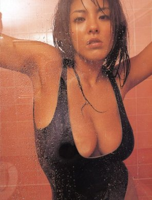 amateur photo Harumi Nemoto in the shower