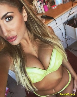amateur photo August Ames on Twitter