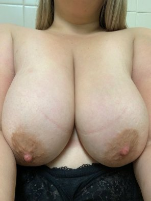 amateur photo Just my boobs 😜