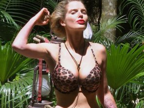 "amateur photo Helen Flanagan in ""I'm a Celebrity... Get Me Out of Here!"""