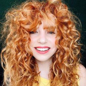 amateur photo Mega Curls