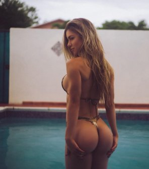 amateur photo Anllela Sagra