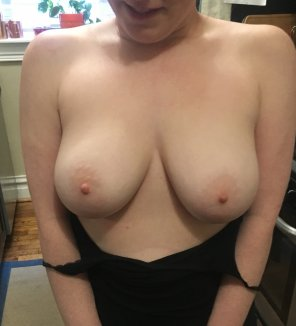 amateur photo Best way to start your day is tits, especially mine 😉[f]